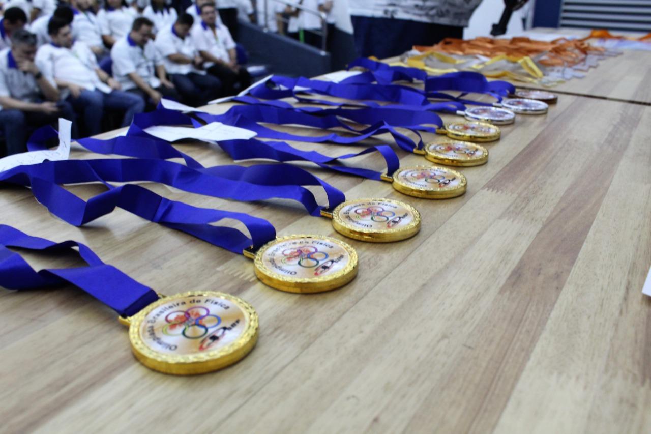 Fundação Matias Machline entrega medalhas a mais de 50 alunos